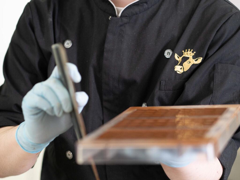チョコレートのモールディング